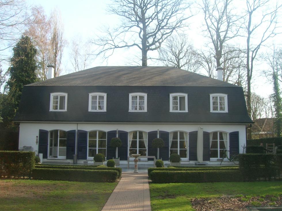 d moussage et remise en peinture de toit hofstade. Black Bedroom Furniture Sets. Home Design Ideas