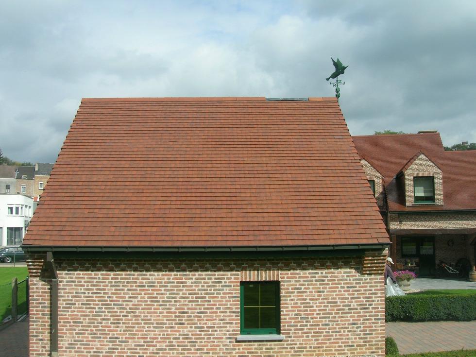 nettoyage et peinture d 39 un toit en tuiles plates hoeilaart. Black Bedroom Furniture Sets. Home Design Ideas